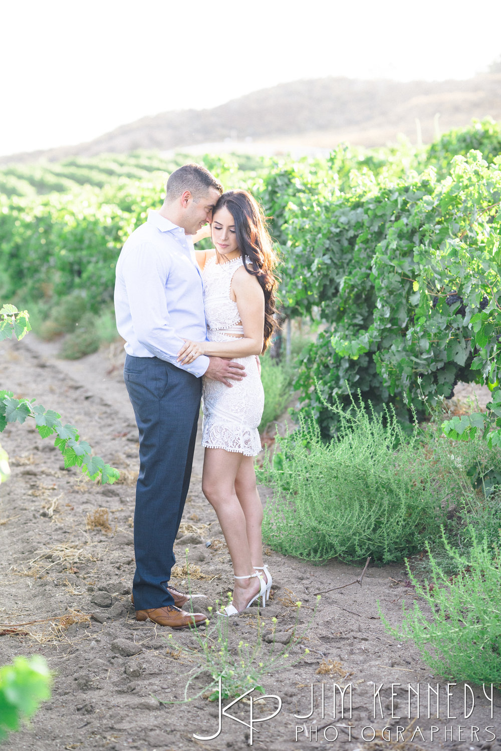 temecula-winery-engagement-session_-31.jpg