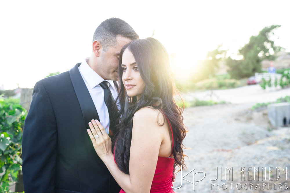 temecula-winery-engagement-session_-37.jpg