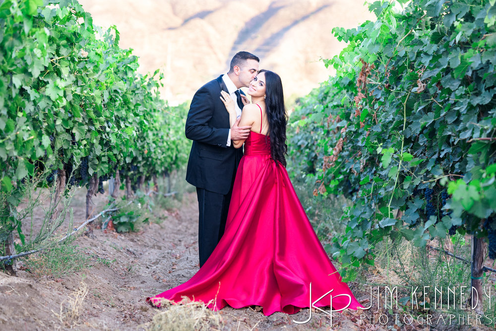 temecula-winery-engagement-session_-42.jpg