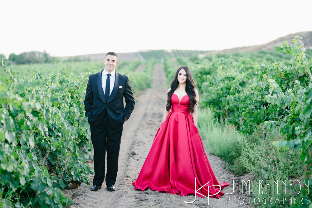temecula-winery-engagement-session_-43.jpg