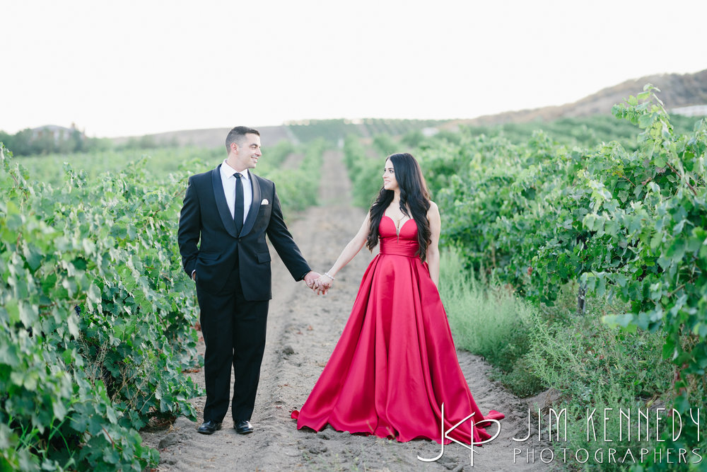 temecula-winery-engagement-session_-44.jpg