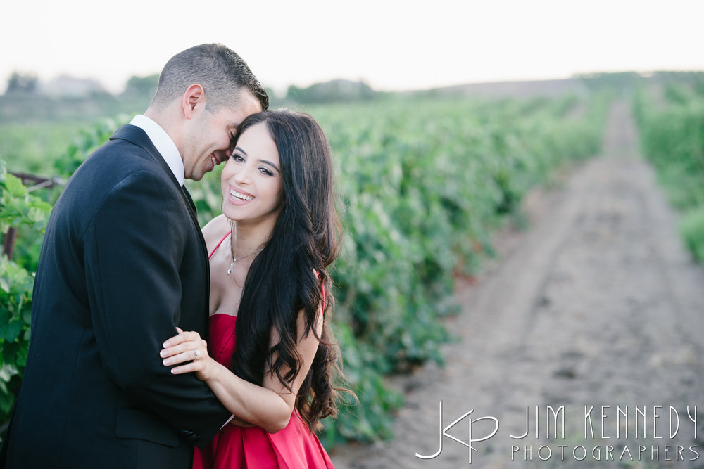 temecula-winery-engagement-session_-56.jpg