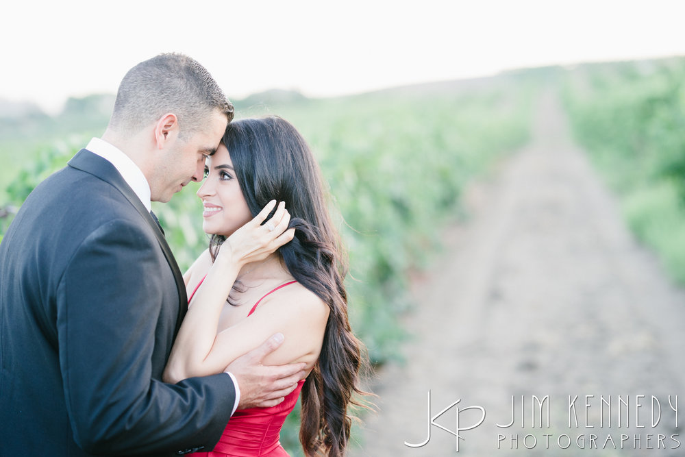 temecula-winery-engagement-session_-60.jpg