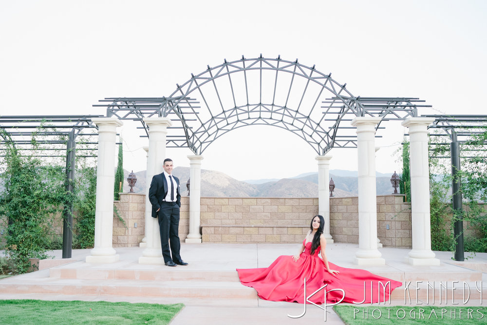 temecula-winery-engagement-session_-71.jpg