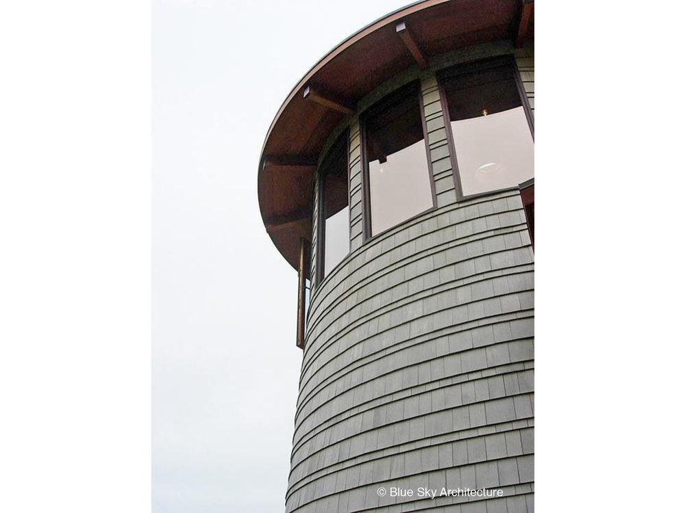 Lighthouse with shingle cladding