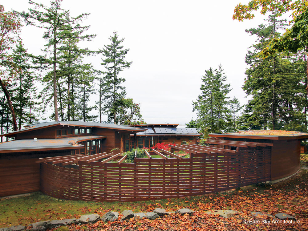 Curved fencing of the Booklovers House exterior