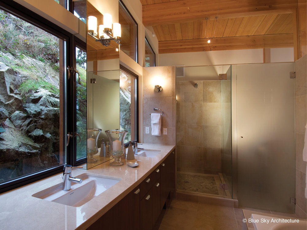 Harbour House modern master bathroom
