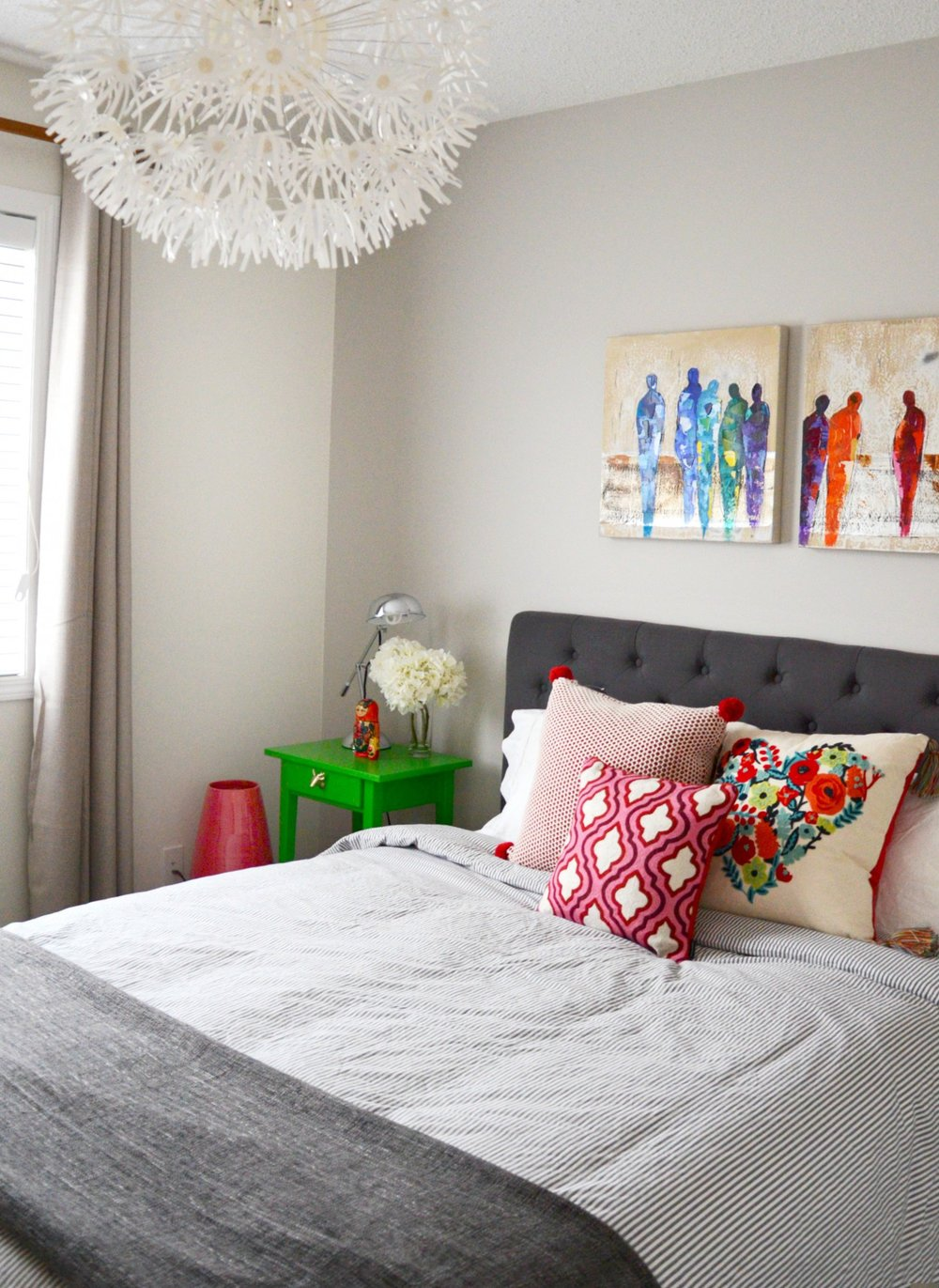 guest-bedroom-decor-grey-bedding.jpg
