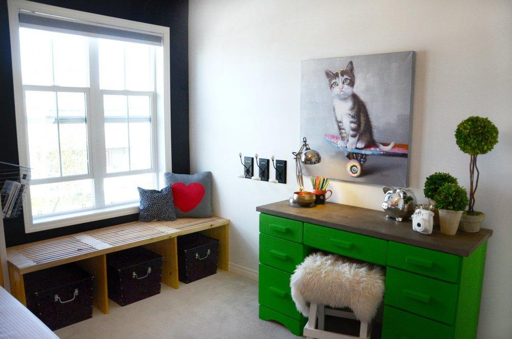 calgary-interior-designer-girls-bedroom-colourful-window-bench.jpg