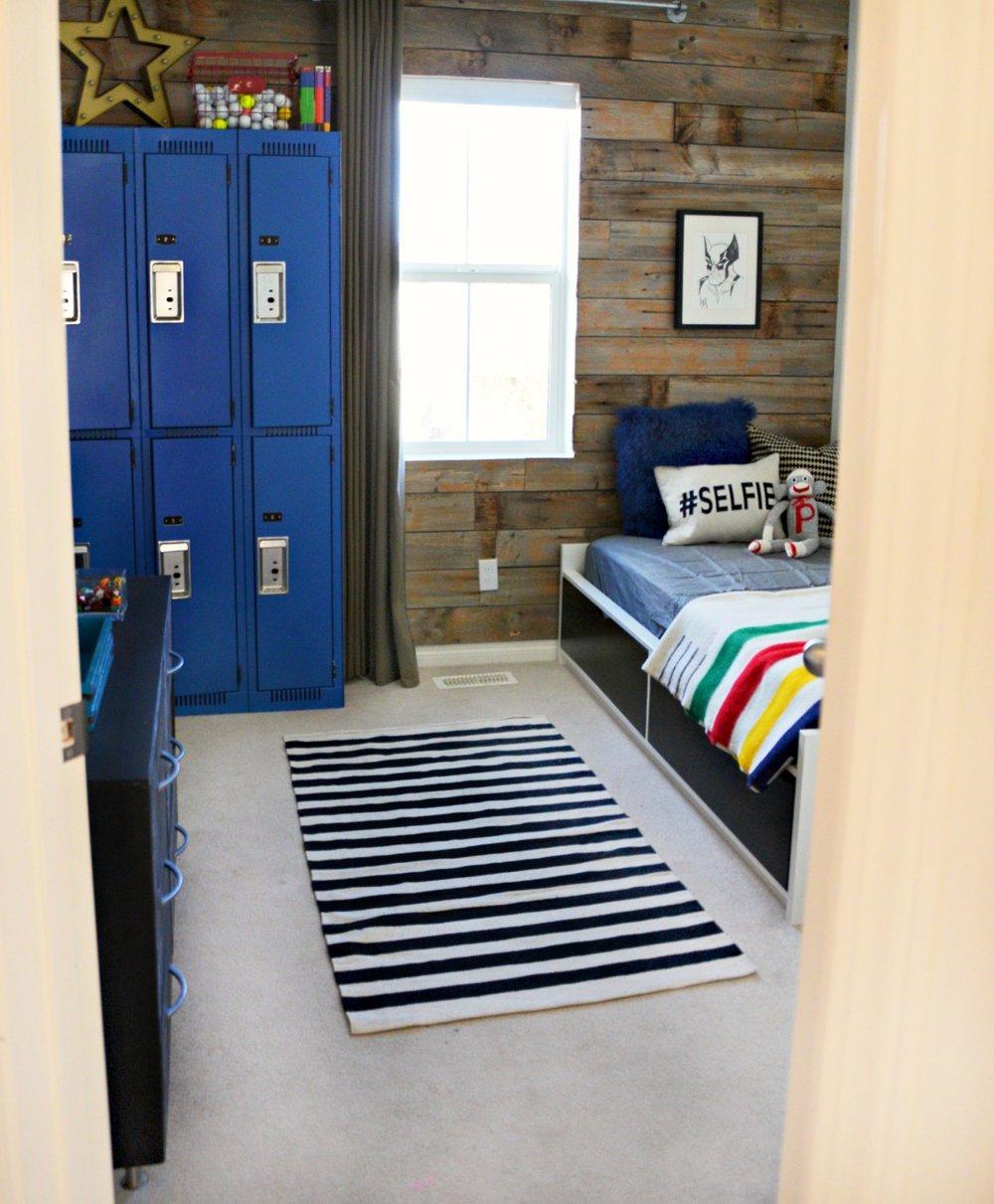 calgary-interior-designer-canadiana-boys-room-bed-1.jpg