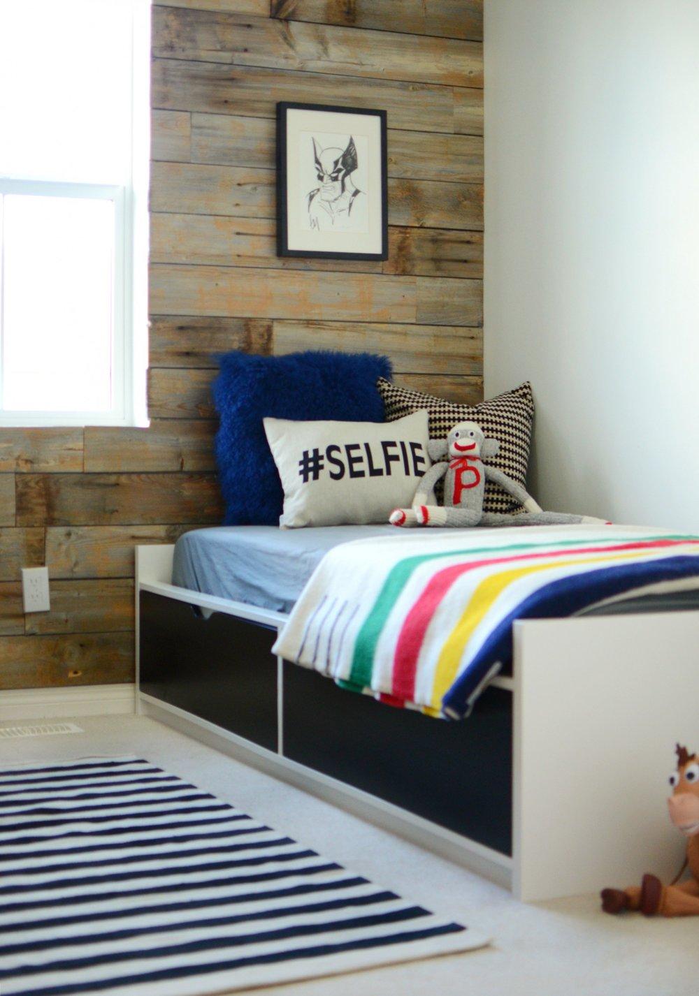 calgary-interior-designer-canadiana-boys-room-bed-wood-wall.jpg