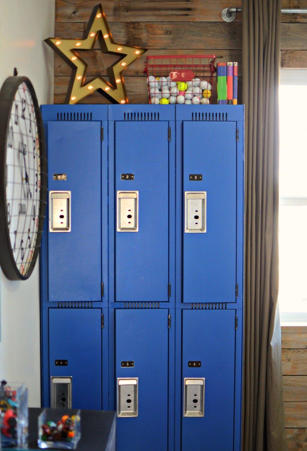 calgary-interior-designer-canadiana-boys-room-lockers-blue.jpg