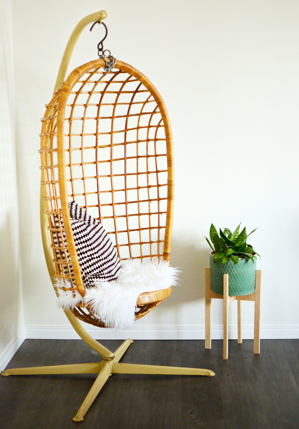calgary-interior-designer-bedroom-decor-21.jpg