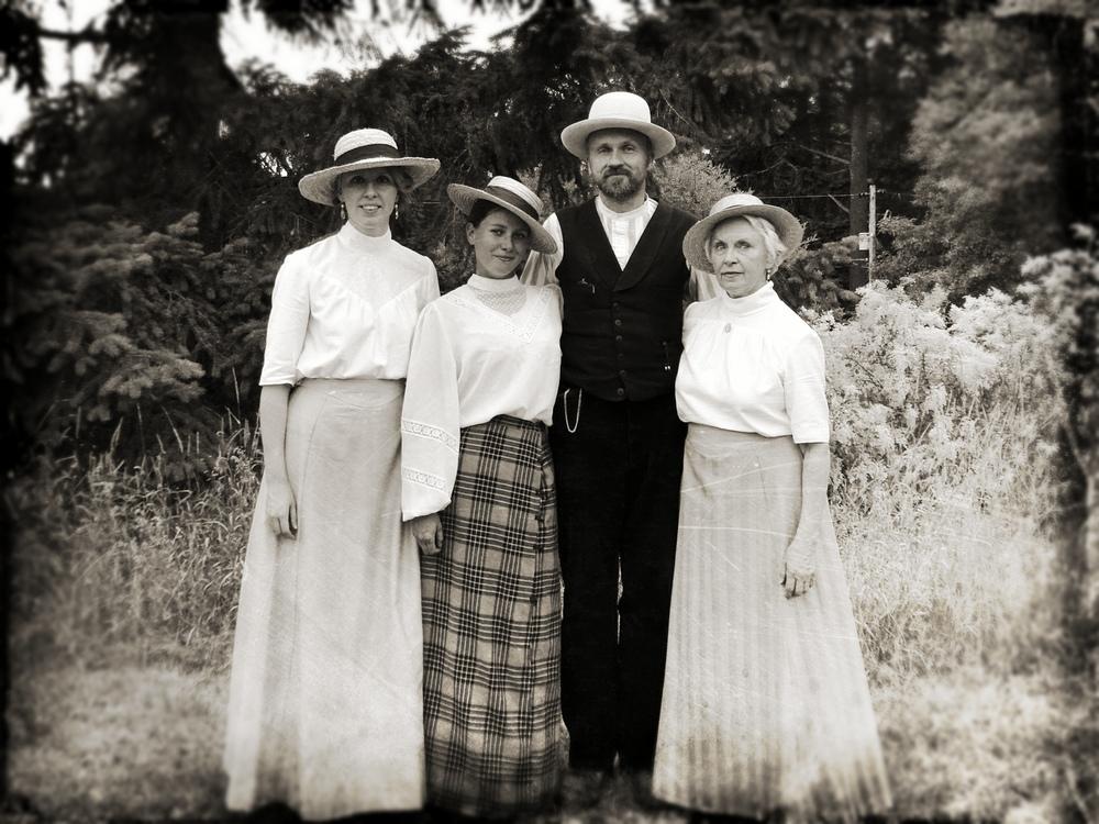 BF Edwardian Family.jpg