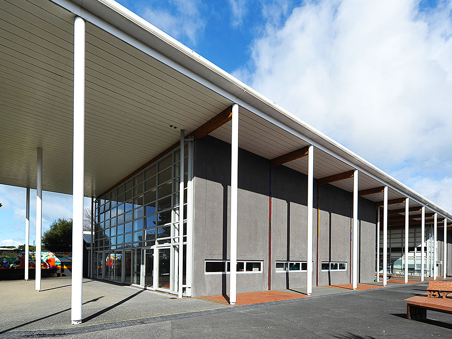 New Lynn Community Centre Exterior 3 925x694.jpg