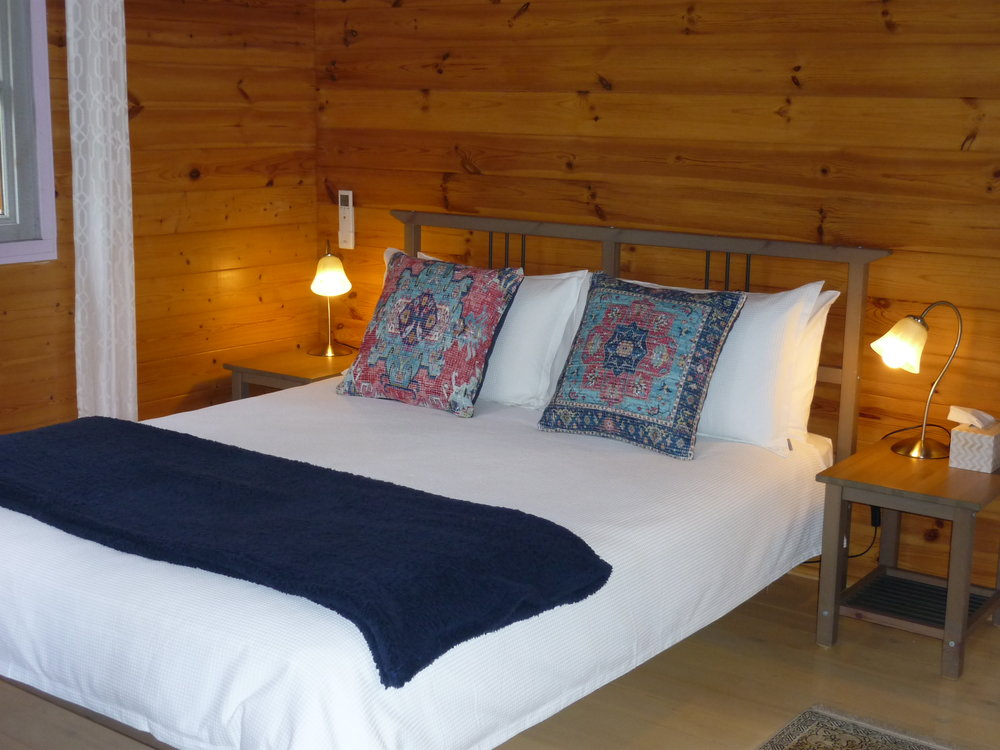 Alpine Cabin Bed 2.JPG