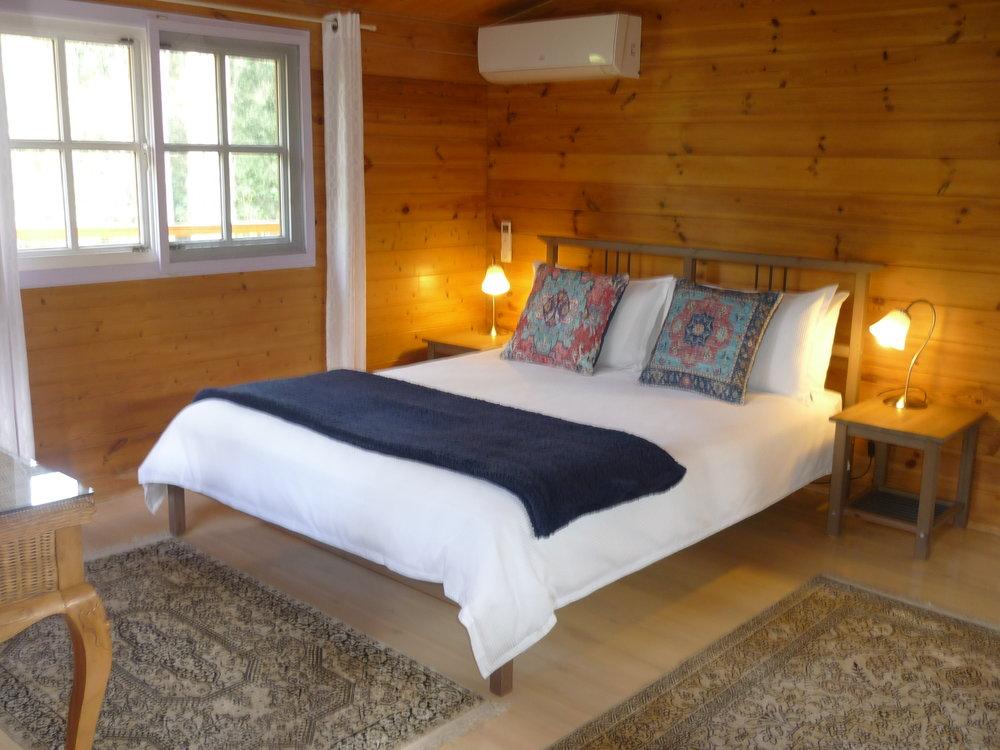 Alpine Cabin Bed 1.JPG