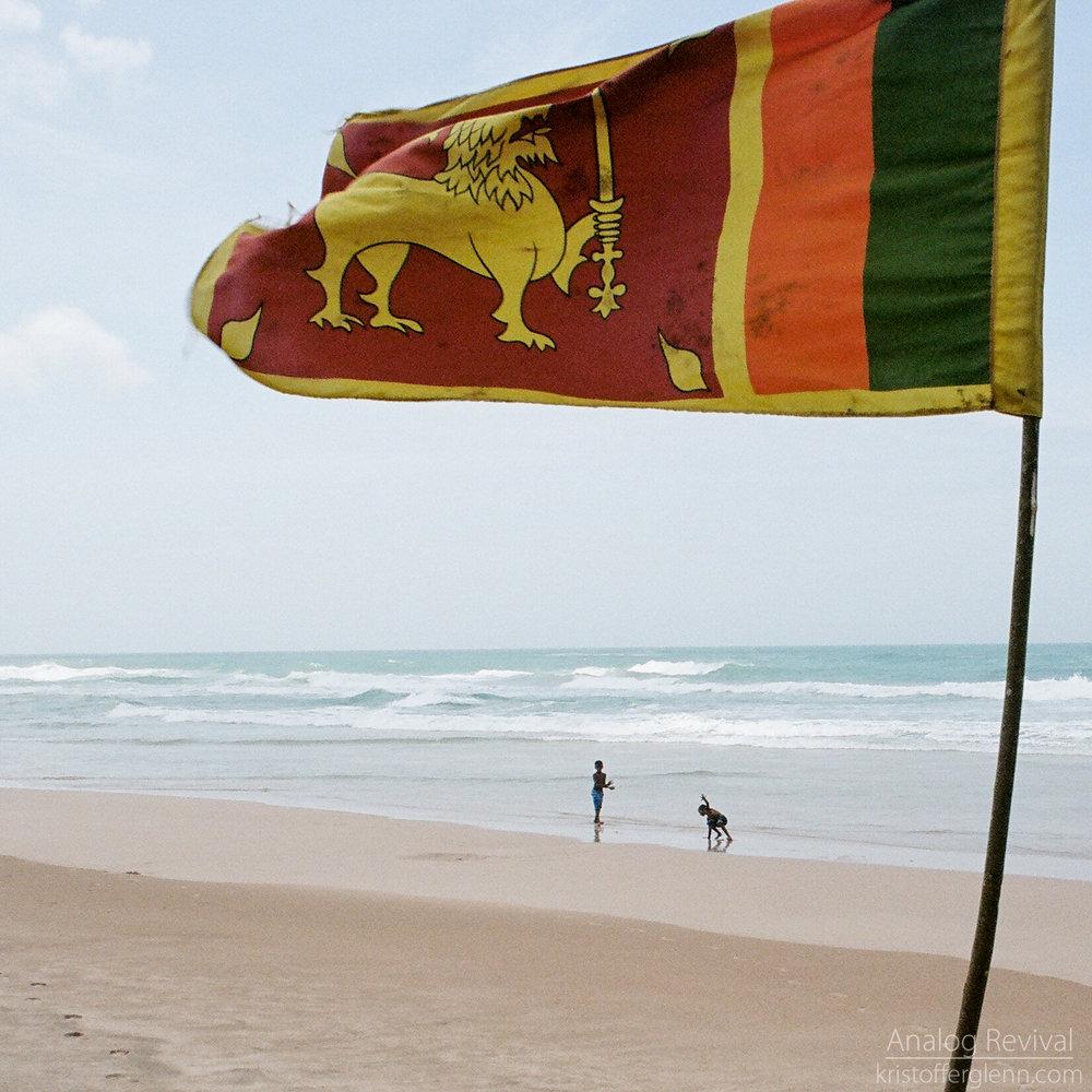 2016_08_20 PacAngles SriLanka Minolta 28mm Kodak 160-39.jpg