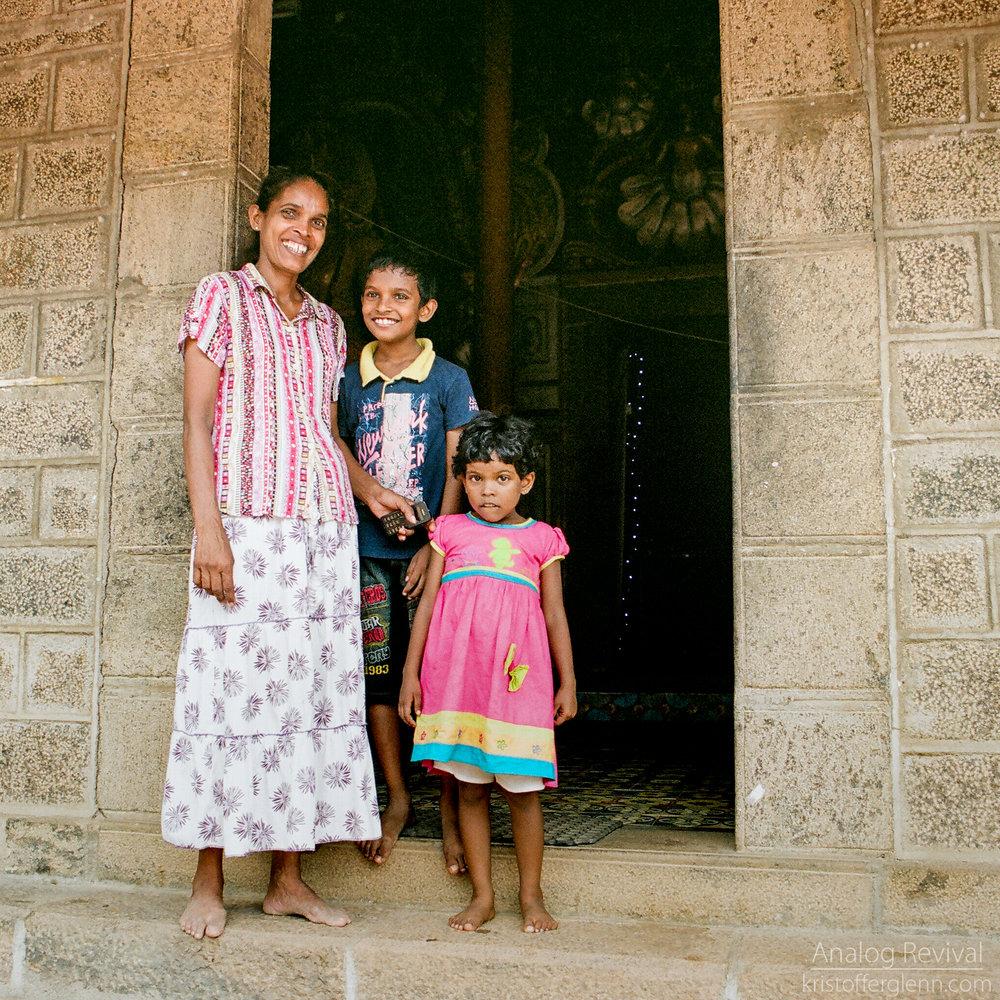 2016_08_20 PacAngles SriLanka Minolta 28mm Kodak 160-52.jpg