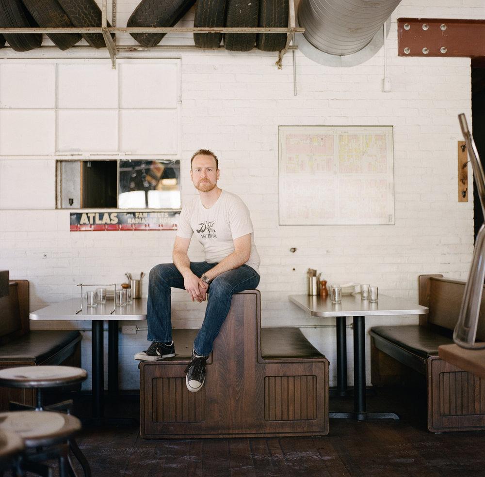 000079170011 garage bar chef