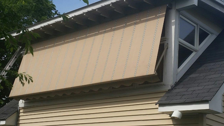 Window Robusta Retractable Awning Down