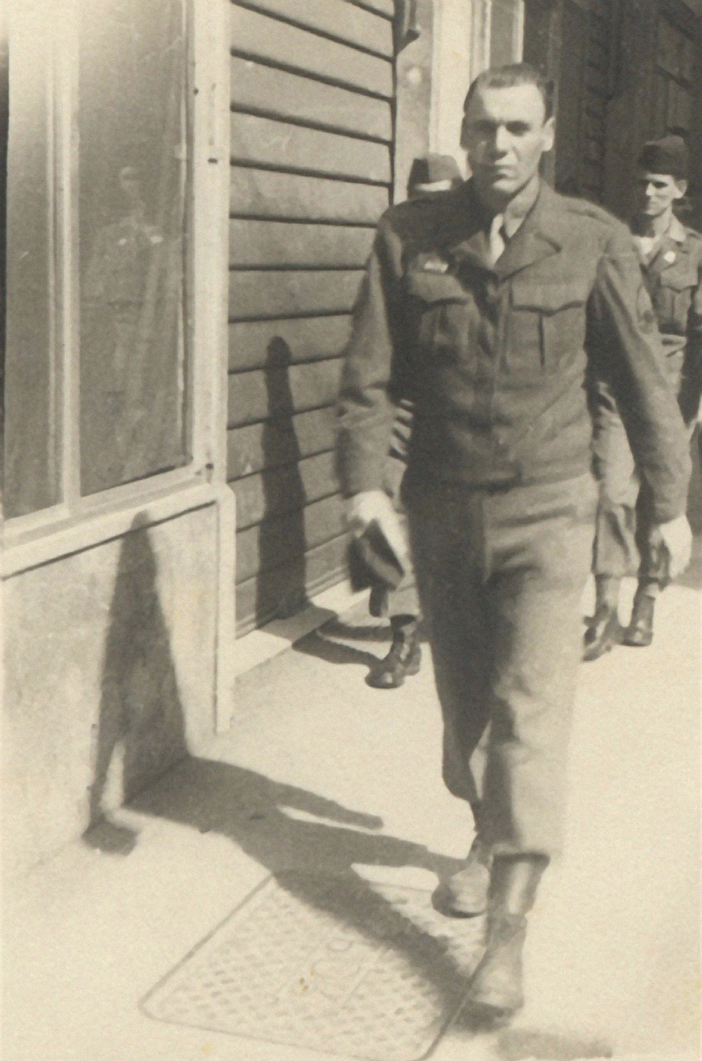 1943-46: U.S. Army  During World War II, Bavasi served as a machine gunner and infantry staff sergeant in the North African/Italian campaigns   Next »