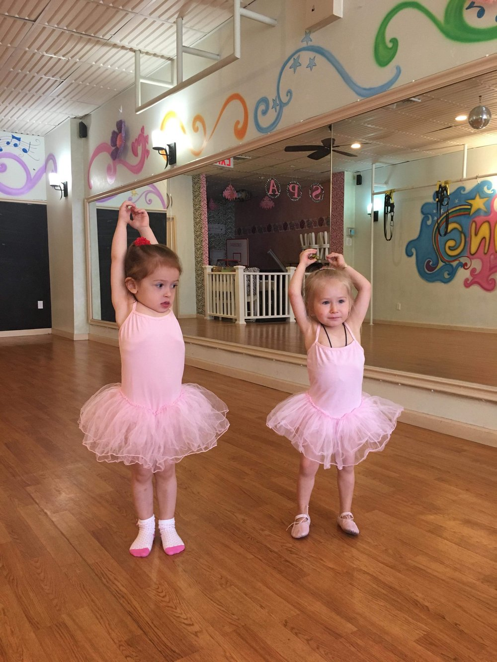 Sehr zierlicher Tanz — bild 14