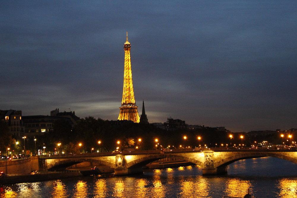 First sight of Tour Eiffel