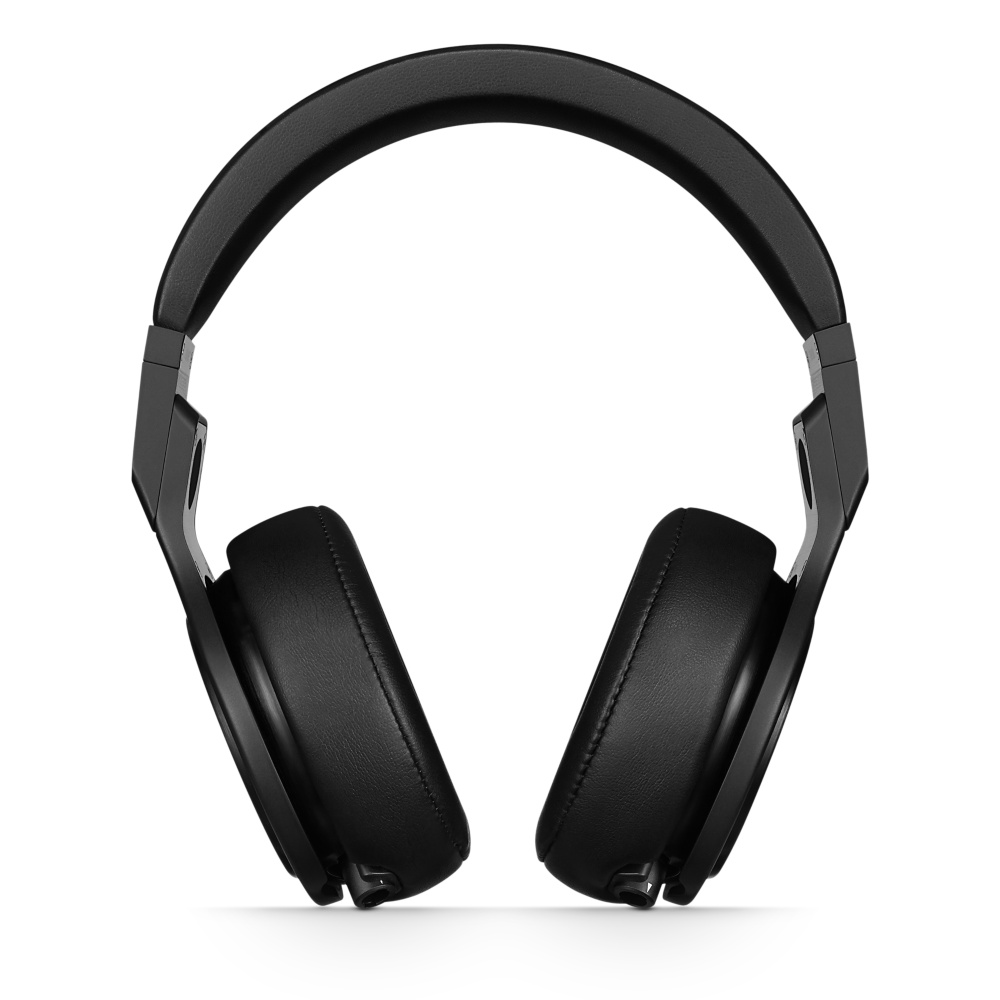 3 in 10 listen with headphones on -
