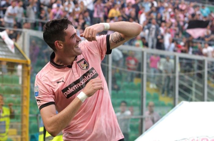Kyle Lafferty nåede at score 11 mål i den karakteristiske Parlermo-trøje, inden han blev solgt til Norwich efter en enkelt sæson. Foto:Tullio M. Puglia - Getty Images.