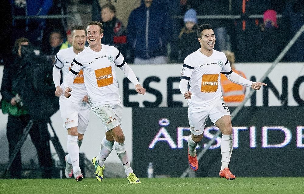 Osama Akharraz scorer til 2-3 i udekampen mod ærkerivalerne FC Midtjylland. Sæsonens højdepunkt ifølge Sara Margren.   Foto: Lars Rønbøg/FrontZoneSports via Getty Images