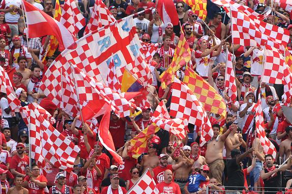 Det ligner EM og det kroatiske landshold, men det er såmænd New York og Red Bulls, der fejrer en sejr. Foto: Getty Images/Tim Clayton