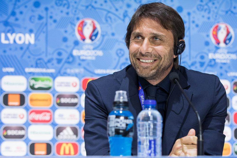 Ingen forventer mere end 1-0, når en landstræner fører sig hold på banen, som Antonio Conte gjorde under EM i Frankrig. Foto: Getty Images.