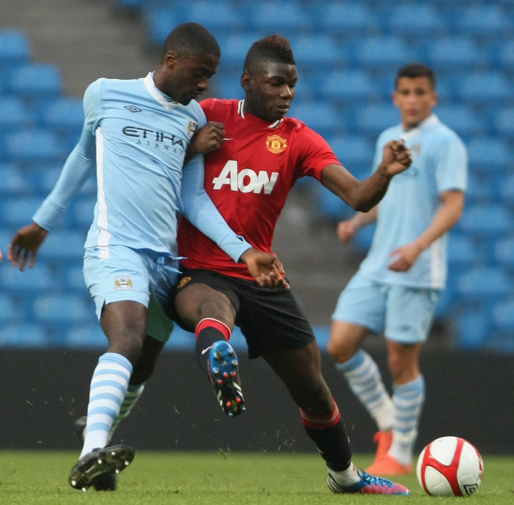I kamp for Uniteds reserver mod Manchester Citys reserver: Foto: Getty Images/Matthew Peters