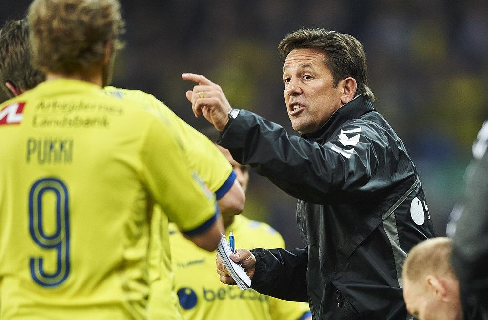 Mark Strudal har lige nu Superligaens tre øverste spillere på topscorerlisten - herunder Teemu Pukki. Foto: Getty Images/Lars Rønbøg