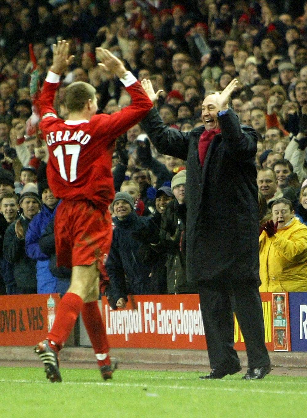 Gerard Houllier gjorde op med drengerøvsmentaliteten i Liverpool og var fantastisk for spillere som Steven Gerrard. Men sygdom kostede for meget i den sidste ende.   Foto: Getty Images