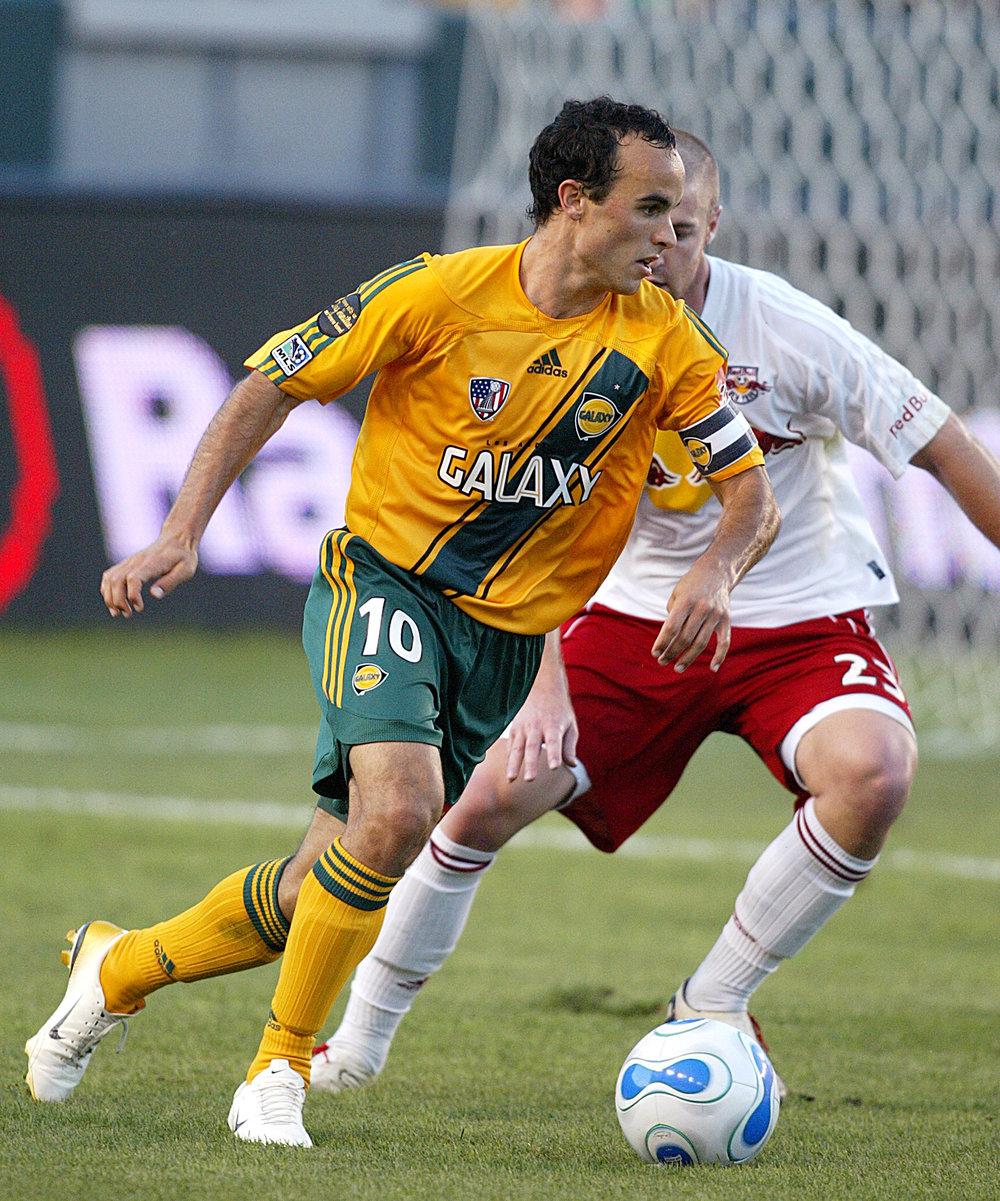 Landon Donovan tjente langt over det tilladte i MLS, da han spillede i LA Galaxy i 2006. MLS ændrede straks reglen, så det blev lovligt. Foto: Getty Images