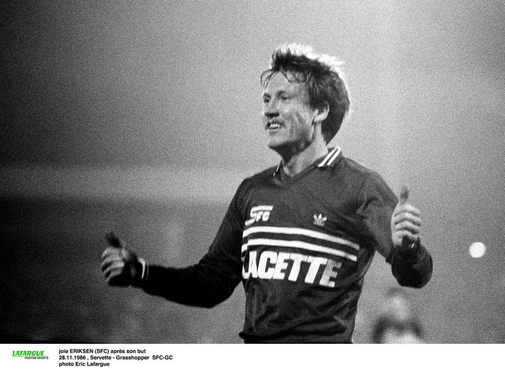 John Eriksen som en af Europas mest effektive målscorere i Servette-trøjen.   Foto fra bogen 'John Eriksen - angriberen, der glemte sig selv' af Lars Fink