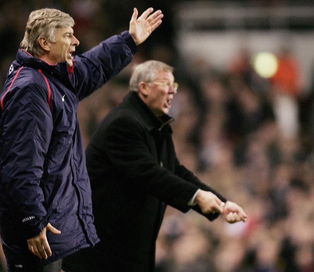 Engang var de fjender, nu er de venner. Arsené Wenger og Sir Alex Ferguson har travlt på sidelinjen. Foto: Getty Images