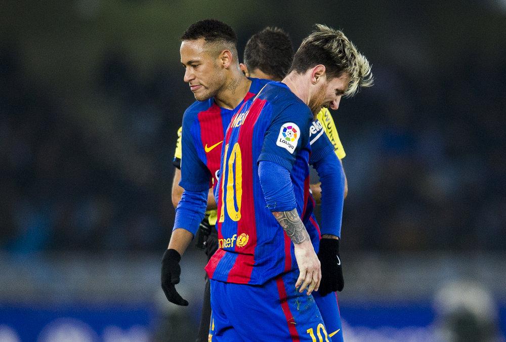 Store problemer på Barcelona-holdet og dystre miner hos profilerne. Foto: Juan Mauel Serrano Arce/Getty Images