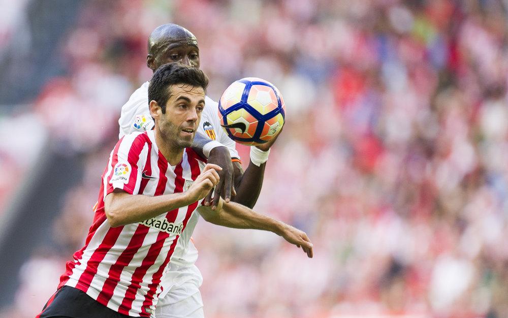 """Anfører Markel Susaeta rundede 413 kampe i denne weekend - og hans sympati er udelukkende hos baskerne. Det spanske landshold bliver kaldt """"en ting"""".   Foto: Getty Images"""