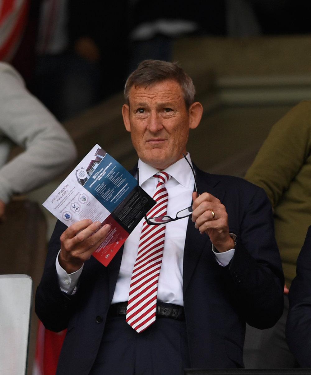 Sunderland-ejer Ellis Short vil gerne af med klubben, men endnu er der ingen, der vil betale prisen på over 1,5 mia. kr.   Foto: Getty Images