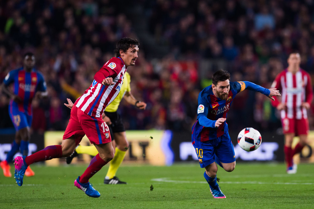 Stefan Savic har været en af årsagerne til manglende defensiv succes i Atletico - for mange gange er hans manglende hurtighed blevet udstillet. Foto: Getty Images