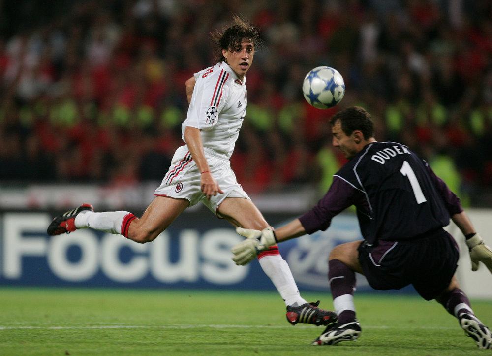 Crespo scorer sit første af to mål i 1. halvleg.   Foto: Getty Images