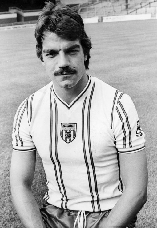 Never change a winning overskæg. Sam Allardyce i stram udgave.