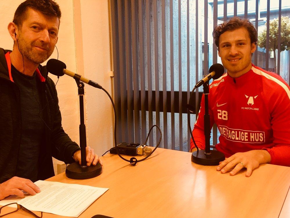 Erik Sviatchenko (th) i selskab med Medianos Peter Brüchmann. Foto: Jakob Nørgaard.
