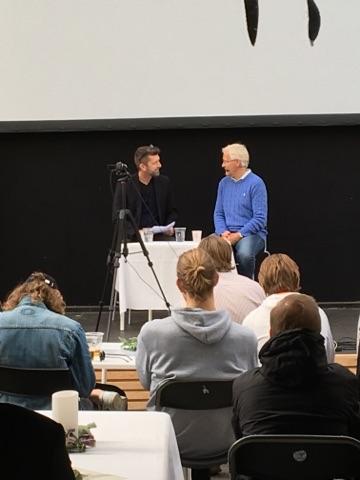 Her er Mediano til Aarhus Festuge, hvor vi arrangerede 'Fodboldens Folkemøde' - her interviewer Peter Brüchmann tidligere landstræner Morten Olsen på scenen i Aarhus.