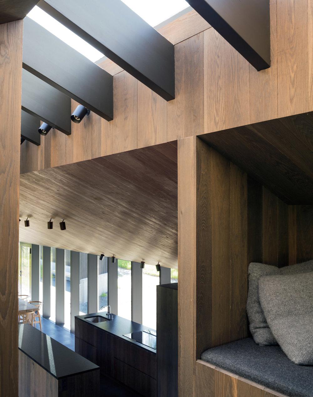 cabin-geilo-norway-lund-hagem-architecture-residential_dezeen_2364_col_4.jpg