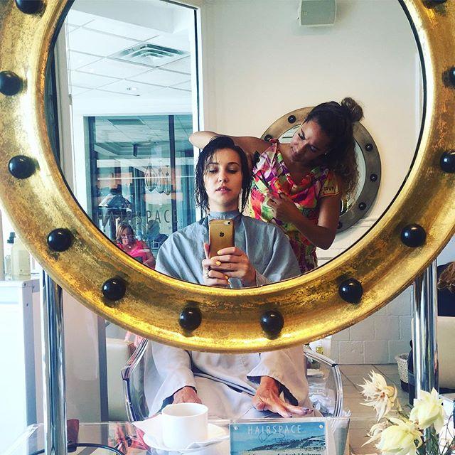 Miss @agnese29 have her haircut by @sirenitysuttles #hairspacemontauk #gurneysmontauk #besthaircuts #shortlayers #sexyhair