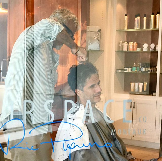 With the weather not so great it's the perfect day to come get s trim. @gurneysmontauk @ricpipino #ricpipinoonlocation #hairspacemontauk #hair